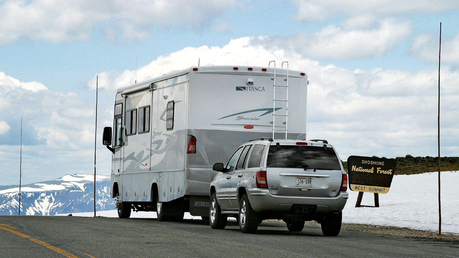 1104rv-01_+rv-towbars-vehicle-flat-towing+motorhome