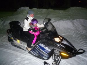 1280px-snowmobile_5316247616