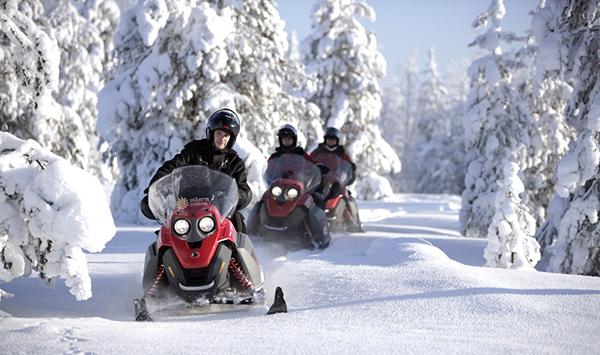 lapland-arctic-circle-snowmobile-1