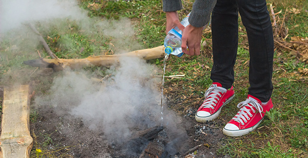 10 Easy Steps To Safely Putting Out Your Campfire