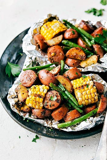 Garlic Butter Sausage and Veggies Foil Packets