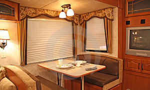 Inside Rv Dining 957851